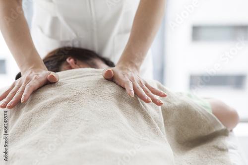 Foto Women receiving a massage
