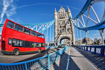 Fototapeta na wymiar Famous Tower Bridge with red bus in London, England