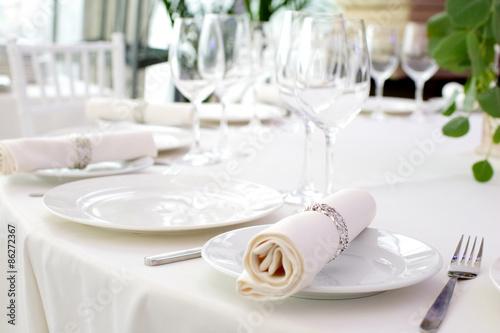 Fotobehang Restaurant Serving beautifully