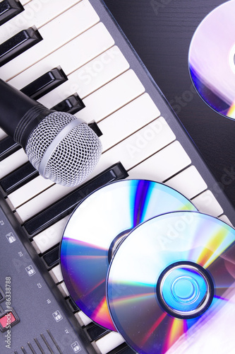 Microphone and electronic piano Canvas Print