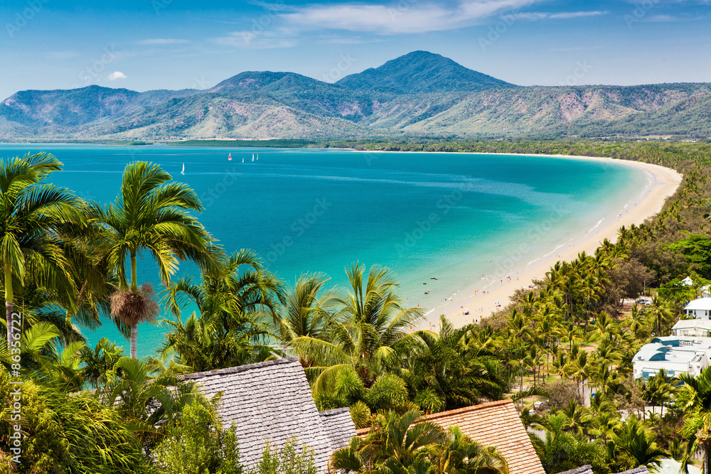 Fototapeta Port Douglas beach and ocean on sunny day, Queensland