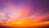 Po zachodzie słońca niebo.