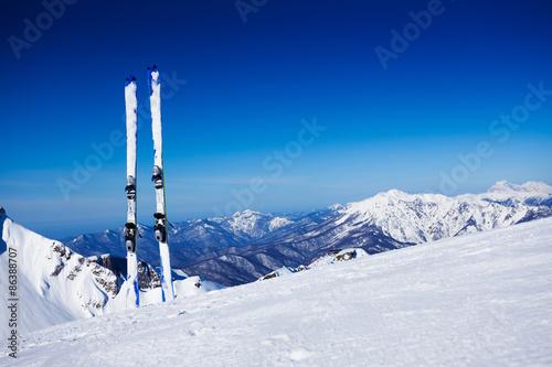 Valokuva  Skies in snow on winter resort
