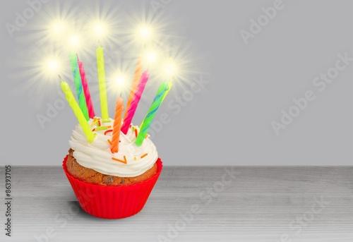 Birthday Cake Sparkler Kaufen Sie Dieses Foto Und Finden