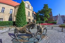 Poznań- Rzeźba Na Placu Kole...