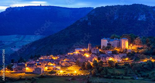 Photo le village de Mostuejouls