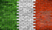 Grunge Flag Of Italy On A Brick Wall, Italian Flag On Brick Textured Background,  Flag Of Italy Painted On Brick Wall, Flag Of Italy In Brick Style