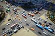 Belebte Straßenkreuzung in Korea