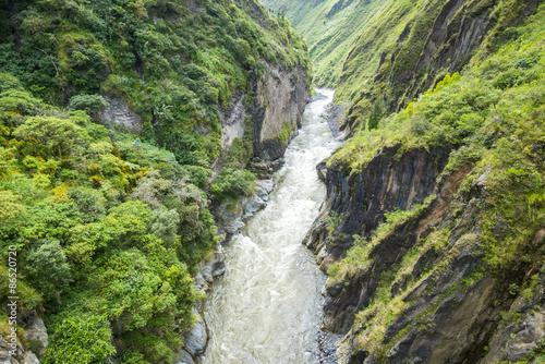 Fotografía  Canyon of Pastaza River near Banos in Ecuador