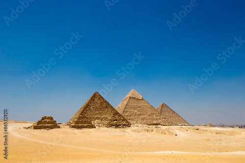 Tuinposter Egypte pyramids of Giza in Cairo, Egypt.