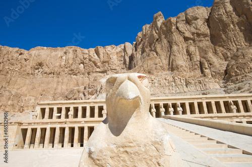 In de dag Egypte The temple of Hatshepsut near Luxor in Egypt