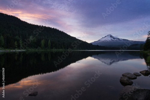 Aluminium Prints Sunset on Mt Hood at Trillium Lake, Oregon