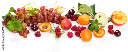 fototapeta na ścianę Świeże owoce i jagody bio mix