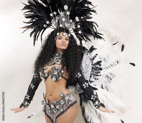 Montage in der Fensternische Karneval Samba dancer wearing traditional black costume