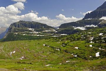 Fototapeta na wymiar Mountain pass