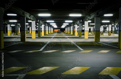 Photo  Underground Garage