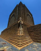 Monument To Piet Retief At Voo...