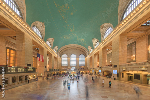 Fotografía NEW YORK - USA - 11 JUNE 2015 Grand Central station is full of people