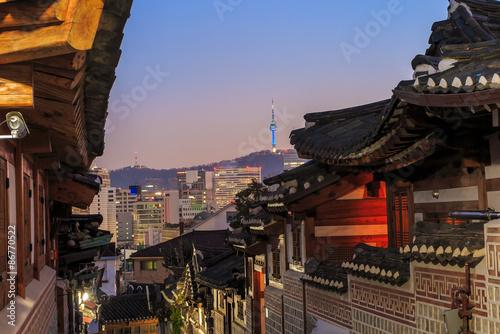 Foto op Canvas Seoel The Bukchon Hanok historic district