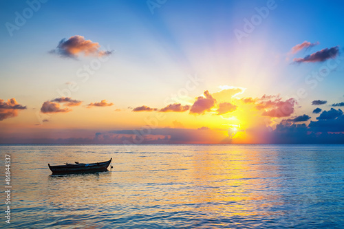 Foto op Canvas Ochtendgloren Sunrise over ocean