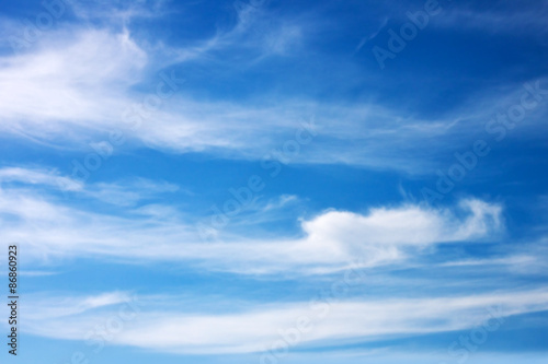 Fototapeta Niebieskie niebo i białe chmury na zamówienie