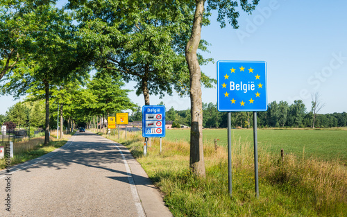 Small border crossing from the Netherlands to Belgium