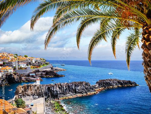 Camara de Lobos, small fisherman village on Madeira island Fototapete