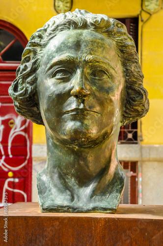 a39ca8a8b Busto de Clara Campoamor