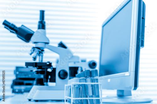 Fényképezés  Physical chemistry laboratory equipment