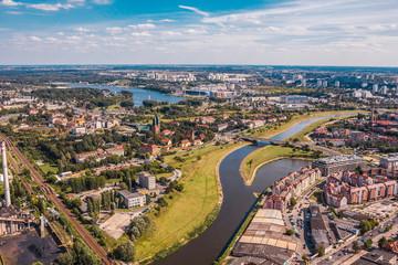 Miasto Poznań nad rzeką Wartą, widok z lotu ptaka