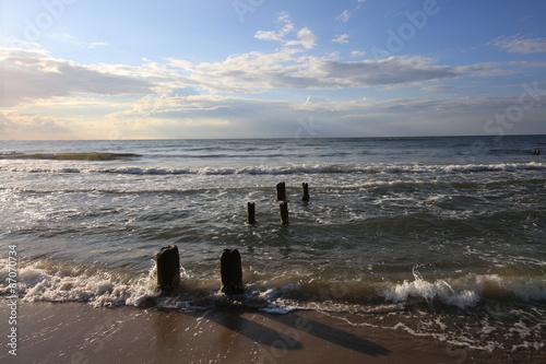 morski-falochron-nad-baltykiem