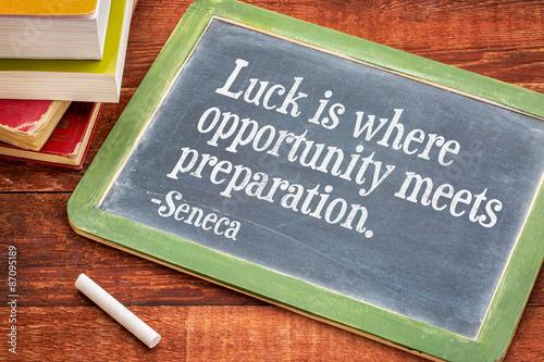 Fotografía  La suerte, la oportunidad y la preparación de presupuesto