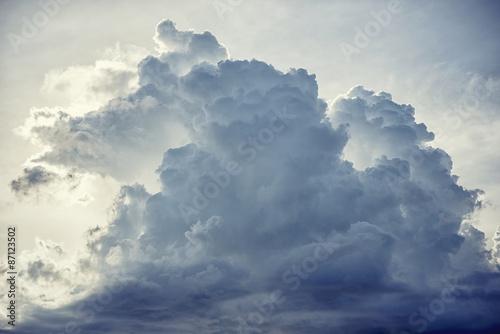 deszczowe-chmury