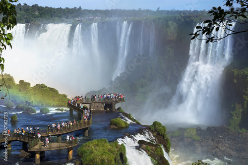 Poster Brésil Tourists at Iguazu Falls, Foz do Iguacu, Brazil