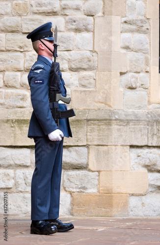 Obraz na plátně UK RAF soldier on guard