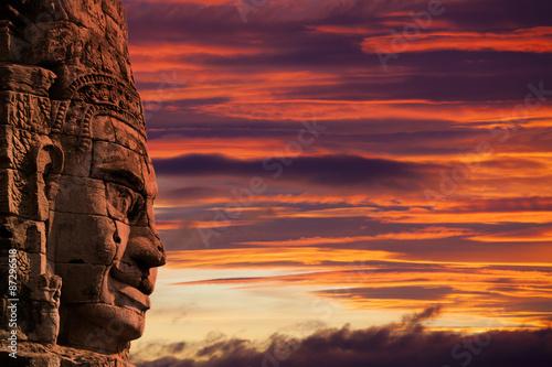 Fotografia  Profile face sculpture of king Jayavarman VII at The Bayon Temple