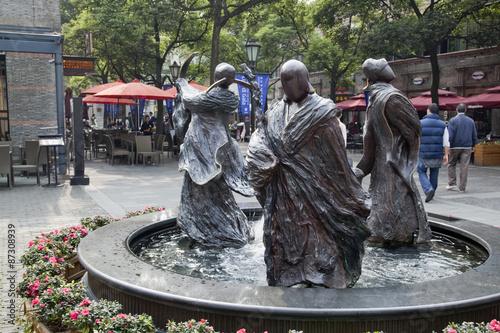 Photo  上海の新天地の銅像