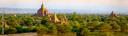 Panoramic landscape view of beautiful old temples in Bagan, Myan Wallpaper Mural