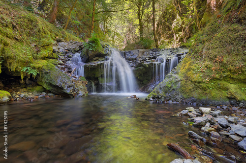 Photo Emerald Falls along Gorton Creek in Oregon