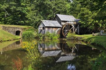 Mabry Mill na Parkwayu Blue Ridge u kasno ljeto
