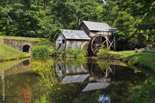 In de dag Molens Mabry Mill on the Blue Ridge Parkway in Late Summer