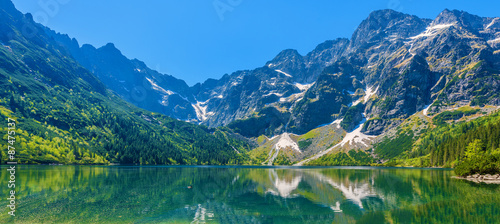 Fototapeta Panoramic view of green water Morskie Oko lake, Tatra Mountains, Poland obraz