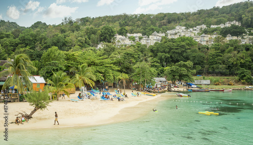 Fotografia  Beautiful sandy beach in Ocho Rios, Jamaica