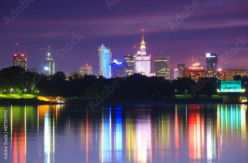 Obraz Nocny widok na miasto z Mostu Siekierkowskiego, Warszawa - fototapety do salonu