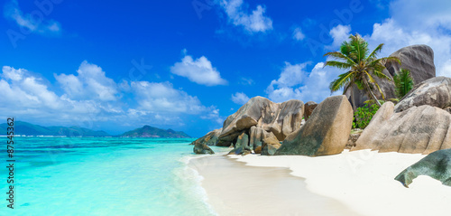 Poster Strand Tropical Paradise - Anse Source d'Argent - Beach on island La Digue in Seychelles