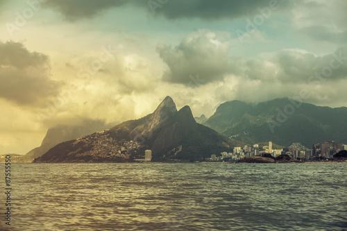 Photo  Ipanema Beach withDois Irmaos Mountains, Rio De Janeiro