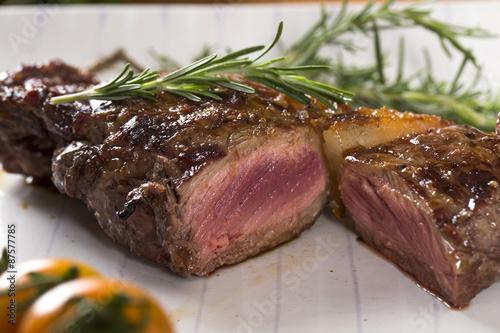 Papiers peints Steakhouse Steak roast on board