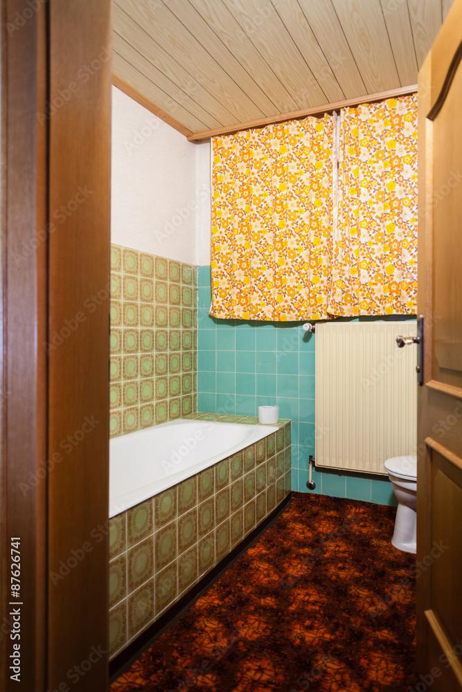 Hässliches Badezimmer Foto, Poster, Wandbilder bei EuroPosters