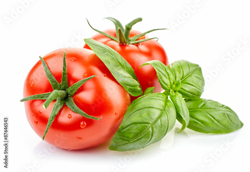 Fotografia fresh tomatoes and basil