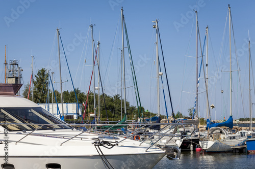 Foto op Plexiglas Water Motor sporten Luxury boat moored in the marina